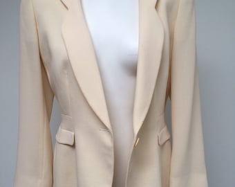 Oversized cream colored vintage 80s blazer