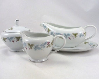 Vintage sugar bowl, creamer, gravy boat, fine china Japan leaves grapes, vintage china pattern 6701, vintage serving set