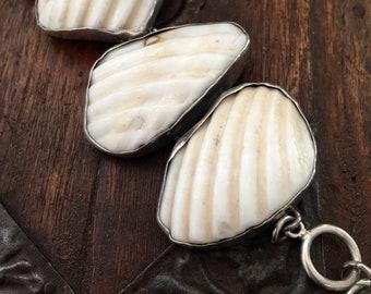 White shell bracelet   silver bracelet   white bracelet   natural bracelet   shells