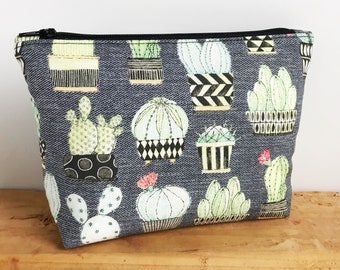 Cactus Makeup Bag - Cactus Gifts -  Cactus Bag - Succulent Gifts - Cactus Zipper Pouch - Make Up Bag - Gifts for Her - Cactus Bag