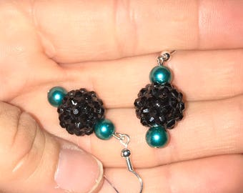 Black Earrings, Green Earrings, Dark Green Earrings, Green Pearl Earrings, Pearl Earrings, Black and Green Earrings