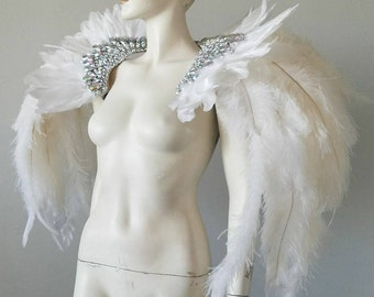 White Epaulet Shoulder Piece Angel  Wings Feather Ostrich Fantasy Fest Carnival Showgirl samba Epaulette