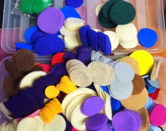 "1 lb Assortment Felt Circles - 1"" to 2"" diameters, more than 15 colors mix"