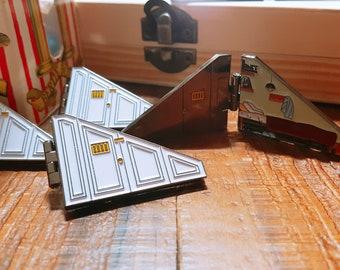 Pre-order - Harry Potter room Cupboard Under the Stairs hinge enamel pin badge