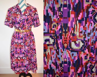 1950s Shift Dress Multicolor Purple Digital Geometric Print Ikat Style - Dress with Collar & Short Sleeves - by Casualmaker - Mid Century