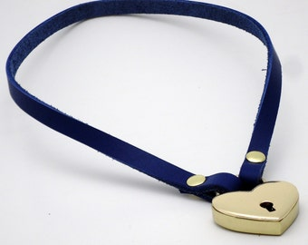 Simple Submissive Collar with Locking Heart gold-toned - Free US Shipping