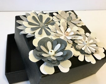 50 Flowery Favor Boxes
