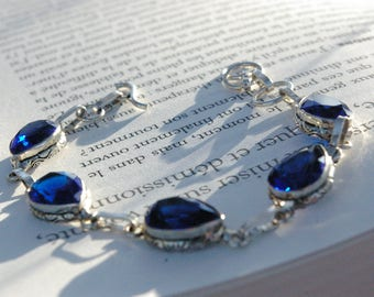 Bracelet Sapphire, the emblem of the divine and immortality