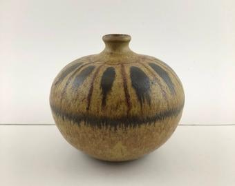 Cool Scandinavian Mid Century Modern Weed Pot by Kamini