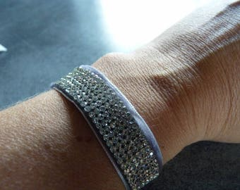 Bracelet Swarovski multistrass on gray Velvet