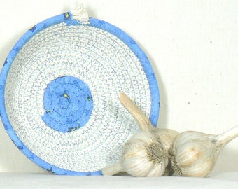 Garlic Holder, Garlic Basket, Garlic Keeper, Garlic Container, Garlic Storage, Onion Basket, Kitchen Basket, Coiled Rope Basket