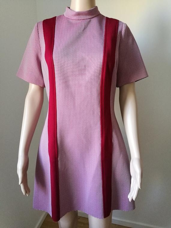 Vintage mod 60's burgundy Wilshire of Boston scooter go go stewardess a-line mini dress mock neck size M