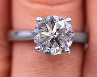 Classic 2.20 cts solitaire diamond ring