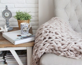 Chunky Knit Blanket, Chunky Knit Throw, Lap Blanket - Hand Knit (Light Beige)