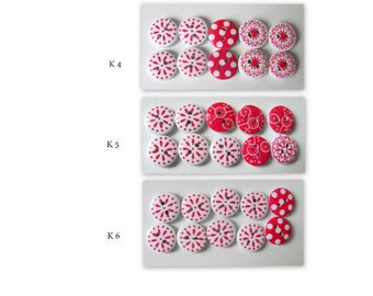 10 wooden buttons Painted colourfully. 2 Holes Ø 15 mm