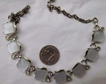 VTG moon glow thermoset necklace