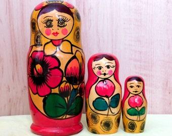 Old Soviet Matryoshka Russian Wooden Doll Handmade Nesting Doll - 3 pcs. USSR