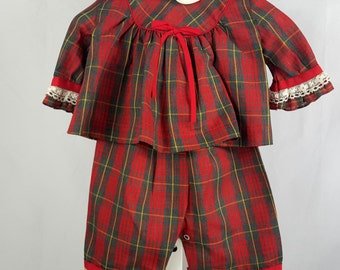 Vintage Baby Girls Red  Plaid Outfit Pants Set- Size 9-12 months - New, never worn