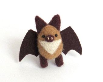 Needle felted bat brooch miniature bat pin - light brown and dark brown, woodland felt, animal accessories