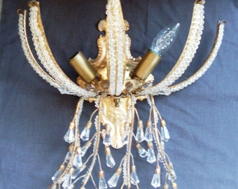 sconce in gilt metal crystals electric, precious applique for 3 bulbs, with crystals to prism to branch falling, Italian artisan workmanship