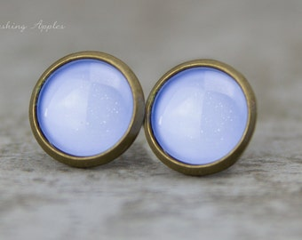 """Earrings Studs in light purple, """"Blueberry Shake"""", 10 mm / hand painted earplugs - minimalistic earrings, everyday jewelry"""