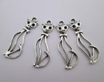 4 breloque chat 34 x 11 mm en métal argenté