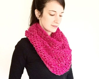 Pink crochet scarf, pink crochet cowl, pink infinity scarf, crochet infinity scarf, pink endless scarf,pink scarf,fuchsia scarf,fuchsia cowl