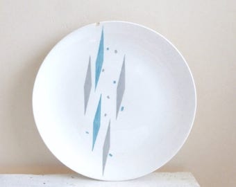 Porcelain plate, white dinner plate, fine china, mid century, atomic age, harlequin blue, blue and gray, royal china, chipped plate