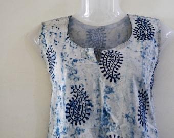 Next day shipping cottonhand printed kurti,cotton indigo tunic,Bohochic indigo top sleevless top,summer top, beach tunic Indigo batik blouse