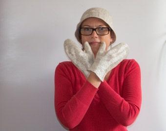 Beige felted mittens, Felted wool gloves, Natural wool gloves, Hand Felted mittens, Beige wool mittens, Merino wool mitts, Wool hand warmers