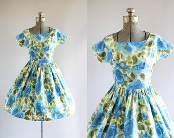 Vintage 1950s Dress / 50s Cotton Dress / Vicky Vaughn Blue and Green Rose Print Dress w/ Shelf Bust XS