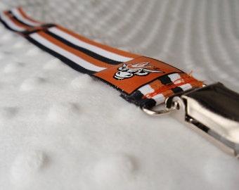 UT Longhorn Striped Pacifier/Toy Clip