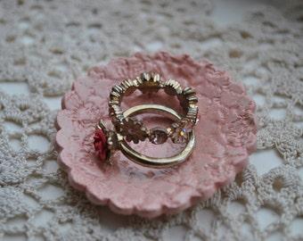 Pink Ring Dish Lace Design