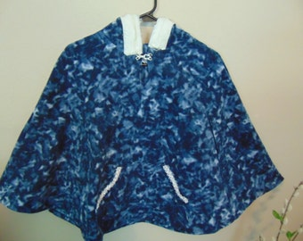 girls size M, 7-8 blue Popover Poncho with hood   pullover navy & white hooded poncho with pockets side opening, size 3-16 available