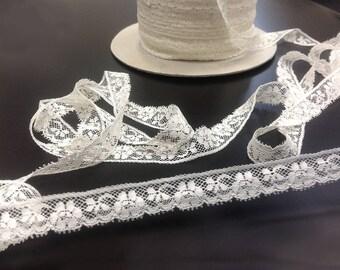 Calais lace Strip Ecru leavers with flowers width 1.8 cm