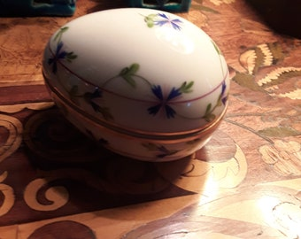 Herend Porcelain Egg from Hungary with hand painted Bachelors Buttons, 1980