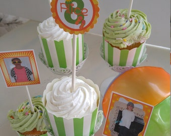 Summer Fun Set includes 15 PicPicks consisting of 12 Photo Frames in Orange, Green and Yellow and 3 Name/Age Theme Circles