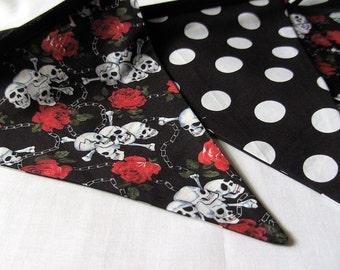 Skull Bunting, skull banner, skull garland, skulls and roses, polka dot with black bias binding, for house, garden, party and festivities