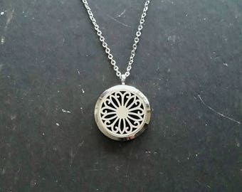 Filigree Aromatherapy Necklace • Stainless Steel Essential oil diffuser locket pendant