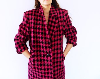 Vintage Houndstooth Overcoat in Pink and Black / Boxy Vintage Wool Coat / Fuchsia Houndstooth Jacket / Vintage Winter Coat