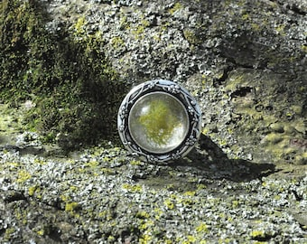 Moss Resin Ring (Adjustable)