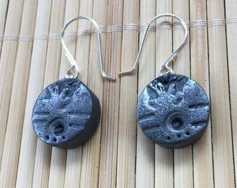 Schwarz Silber Beachcomber Faux Stein Ohrringe - handgemachte rustikale Schmuck für Frauengeschenk für Frau Freundin Lehrer Mama