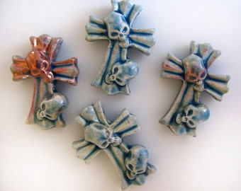 4 Raku Cross With Skulls Pendants - Beads - RAK282