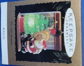 1995 Wee Little Christmas Hallmark Retired Magic Ornament