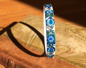 Blue enamel bangle