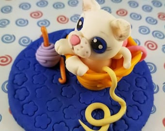 Fondant kitten in basket edible cake topper