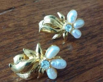 Avon Gold Tone Earrings