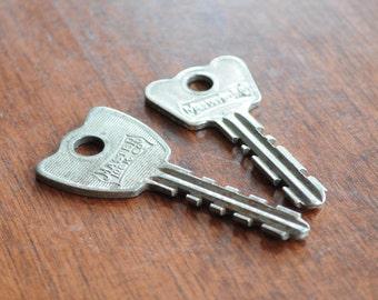 Two masterlook Vintage Keys.