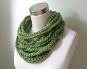 Green Chain Scarf Necklac...
