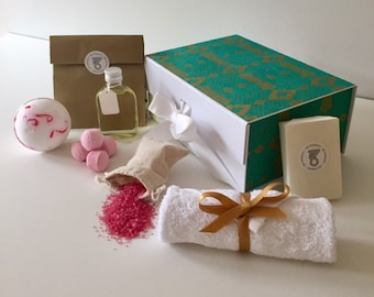 Gifts Set for Women Friends Bath Bomb Spa Gift Sets for Her Relaxation Gift for Girlfriend Personalised Spa and Relaxation Gift